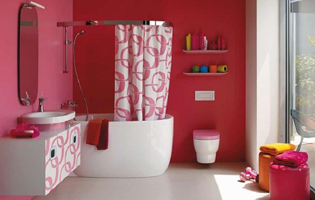 pinturas plásticas usadas en un baño